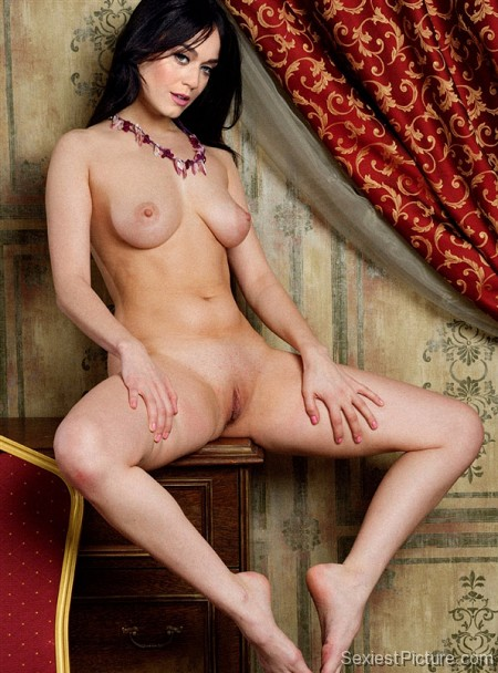 Luci Ford Nude photo 21
