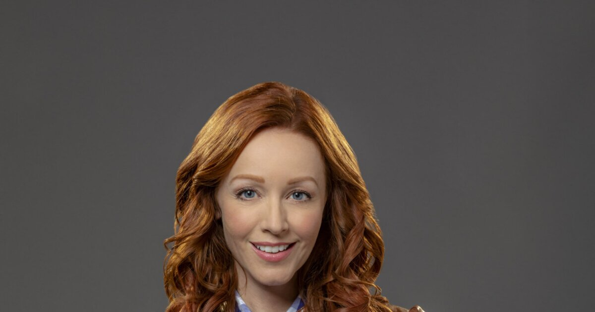 Lindy Booth Images photo 26