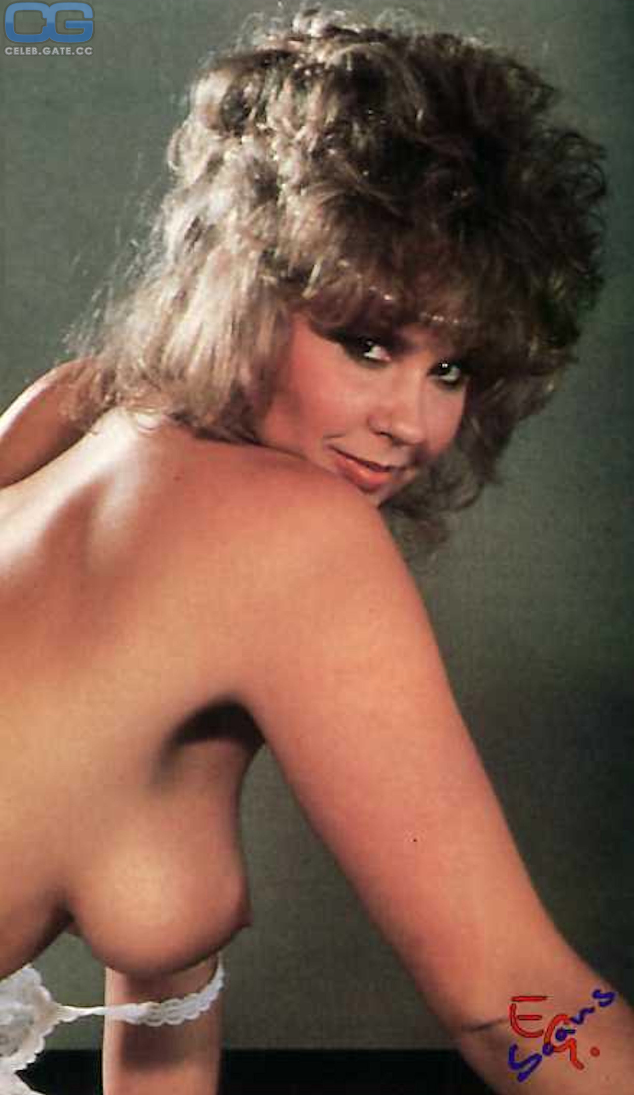 Linda Blair Naked Pictures photo 22