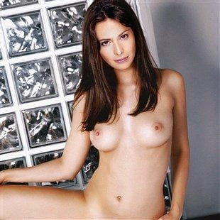 Holly Marie Combs Naked Pics photo 11